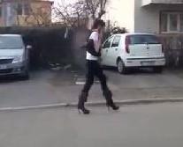 Prva šetnja u štiklama
