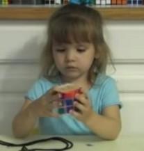 Trogodišnjoj Kćerki Dao Rubikovu Kocku: Onda Je Mali Genijalac Stupio Na Djelo