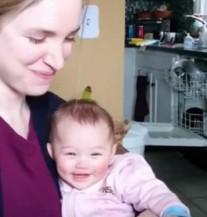 Poslušajte najslađi osmijeh na svijetu: Sigurni smo da će vas ova djevojčica osvojiti!